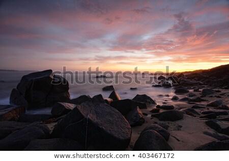 Madrugada magnífico costa primeiro luz paisagem Foto stock © lovleah