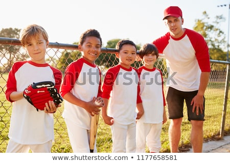 Jongen honkbalknuppel fitness portret glimlachend mannelijke Stockfoto © IS2