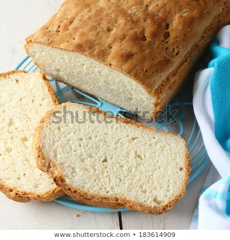 Eigengemaakt glutenvrij brood Blauw metaal grid Stockfoto © Melnyk