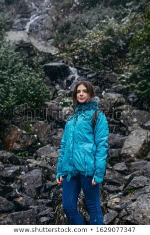 Stockfoto: Jonge · vrouwelijke · wandelaar · rugzak · permanente · geïsoleerd