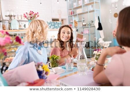 ストックフォト: 女性 · ギフトボックス · 花 · 髪 · 皮膚 · 化粧