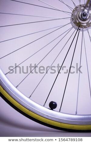 Fiets wielen witte metaal fiets Stockfoto © ozaiachin