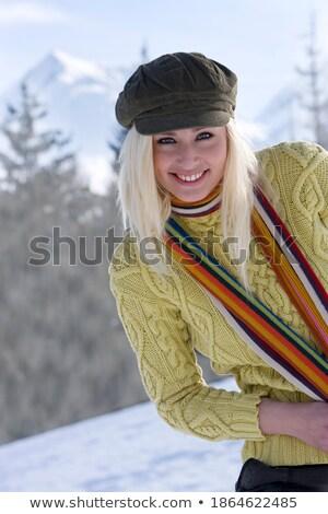 donna · seduta · neve · ridere · sport · natura - foto d'archivio © is2
