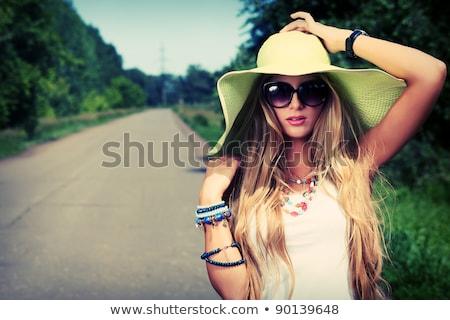 Młoda kobieta przydrożny ramię drogowego charakter Zdjęcia stock © acidgrey