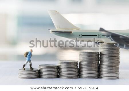 Dinheiro vôo negócio voador árvore raízes Foto stock © Lightsource