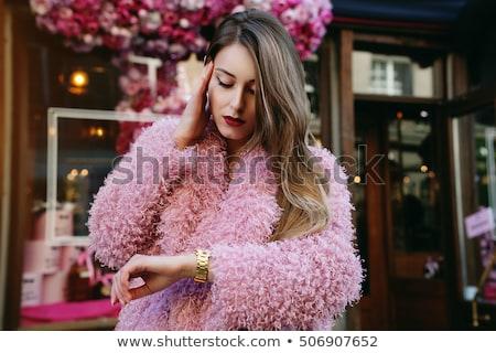 blonde · vrouw · pels · jonge · zwarte · jurk · donkere · Rood - stockfoto © fanfo