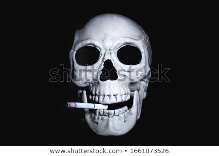 ürpertici eski kafatası siyah ölüm Stok fotoğraf © stokkete