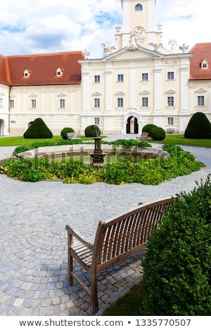 Monastère jardin baisser Autriche architecture statue Photo stock © phbcz