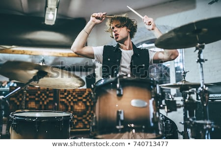 Zenész játszik dobok színpad próba szoba Stock fotó © Kzenon