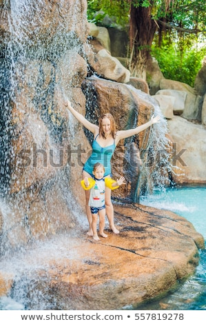 母親 リラックス 滝 アクアパーク 休暇 ストックフォト © galitskaya