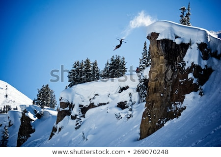 Skiër lucht Rood broek hemel man Stockfoto © RuslanOmega