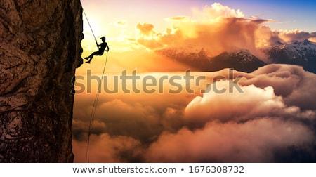 mászik · hegyek · nő · hátizsák · boldog · mosoly - stock fotó © Lighthunter
