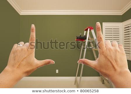 Stock foto: Hände · grünen · gemalt · Wand · Innenraum · Zimmer