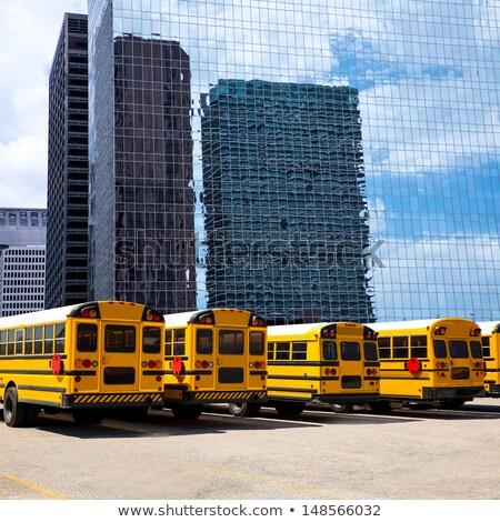 Amerikaanse typisch schoolbus achteraanzicht Houston rij Stockfoto © lunamarina
