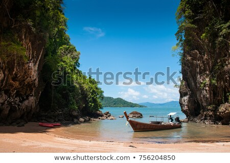 Felfedez kajak hajók trópusi jelenet víz Stock fotó © cienpies