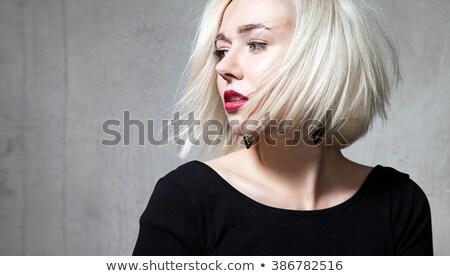 Belle jeunes modèle cheveux courts lèvres rouges Photo stock © julenochek
