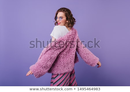 Spectaculaire gekruld brunette Rood kort jurk Stockfoto © acidgrey