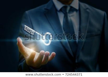 anahtar · avuç · içi · işkadını · transfer · mülkiyet · portre - stok fotoğraf © lichtmeister