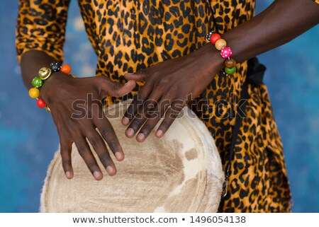 Guy africaine tambour ville guitare rue Photo stock © photography33