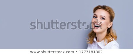 boldog · szőke · nő · fiatal · nő · közmondás · nagyszerű · állás - stock fotó © pablocalvog