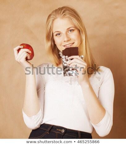étcsokoládé · szépség · portré · gyönyörű · barna · hajú · csokoládé - stock fotó © dash