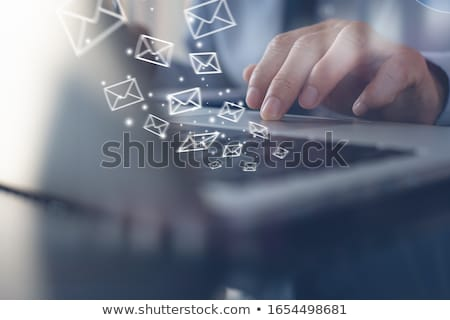 E-mail marketing kantoor werken laptop scherm Stockfoto © tashatuvango