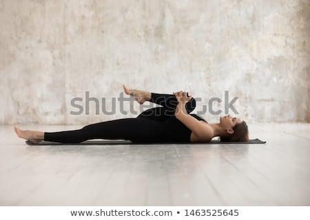 bevallig · ballerina · vergadering · vloer · jonge · zwarte - stockfoto © dash