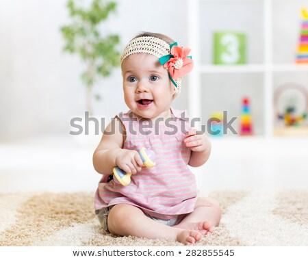 Foto stock: Pequeno · menina · piso · casa · infância · pessoas