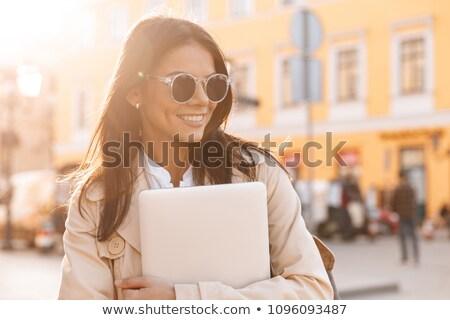 szczęśliwy · uśmiechnięty · brunetka · kobiet · jesienią · kobieta - zdjęcia stock © deandrobot