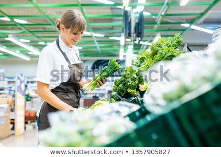 Stock fotó: Bolt · asszisztens · áruház · friss · zöldségek · nő · étel