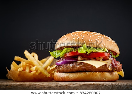 Papa papas fritas hamburguesa chips salsa de tomate de comida rápida Foto stock © karandaev