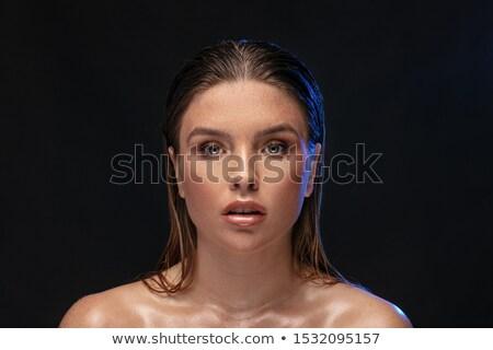 Portrait jeune fille regarder caméra humide Photo stock © PawelSierakowski