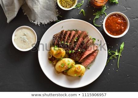 Lombo de vaca bife batatas cogumelos carne Foto stock © Klinker