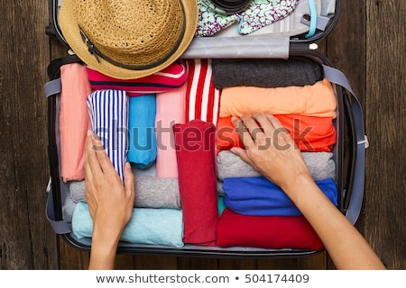 Foto stock: Mulher · mão · bagagem · novo · jornada