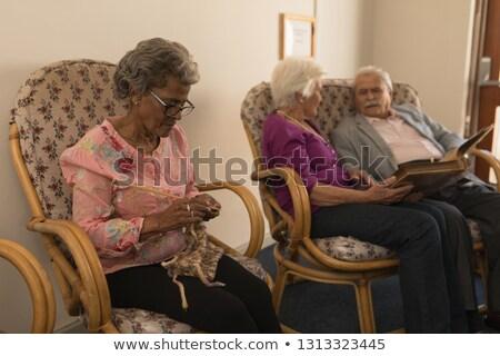 Elöl kilátás idős barátok köt néz Stock fotó © wavebreak_media