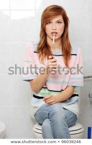 bezrobotny · niezdrowy · człowiek · na · zewnątrz · kanapie - zdjęcia stock © lisafx