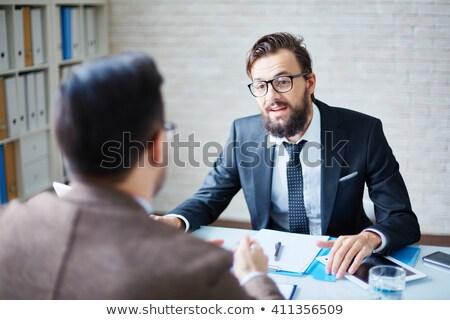 főnök · beszél · portré · komoly · üzlet · nő - stock fotó © pressmaster