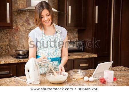 mujer · huevos · tazón · vista · cocina - foto stock © photography33