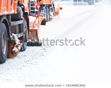 Zdjęcia stock: Ciężarówki · śniegu · autostrady · zimno · zimą · dzień