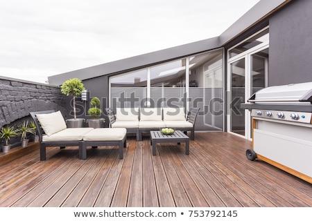 espaçoso · terraço · tabela · branco · cadeiras - foto stock © jrstock