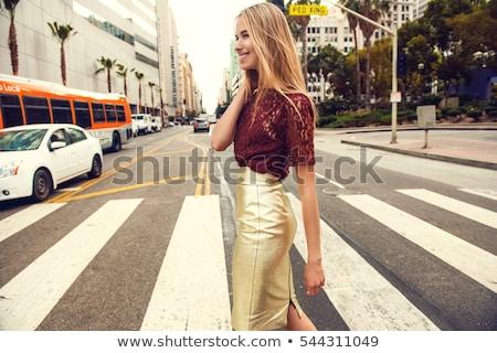sexy · feliz · mujer · vestido · rojo · compras · regalo - foto stock © traimak
