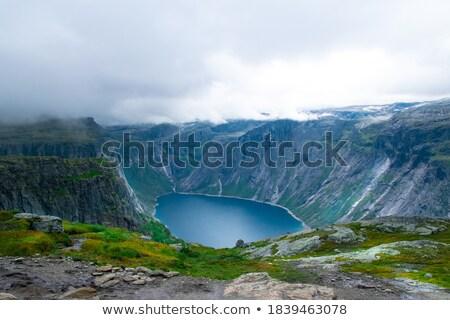 Lago ver penhasco Noruega Foto stock © Kotenko
