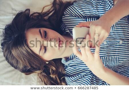 退屈 十代の少女 呼び出し スマートフォン 技術 通信 ストックフォト © dolgachov