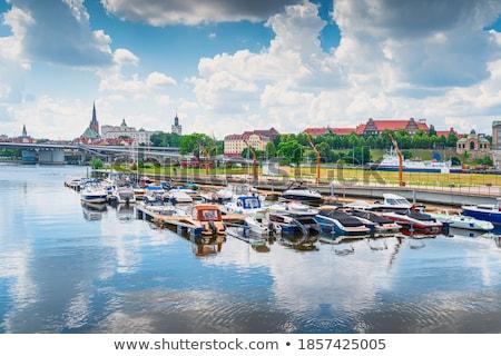 Rivière bateau à moteur cathédrale église centre ville Photo stock © remik44992