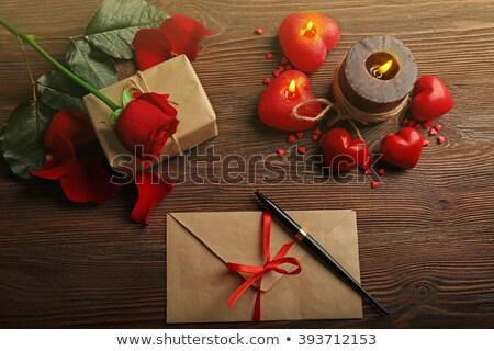 dom · rosa · rosa · vermelha · dourado - foto stock © ankarb