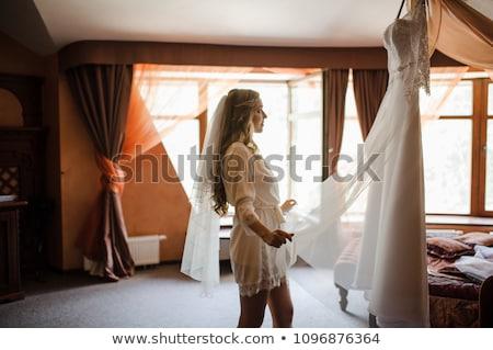 Nő eljegyzési gyűrű rózsák ölel férfi szeretet Stock fotó © dolgachov