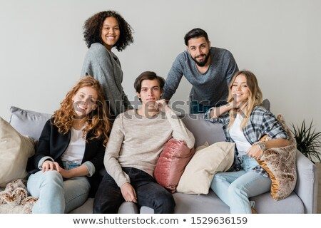 Groep gelukkig jonge vrienden ontspannen zachte Stockfoto © pressmaster