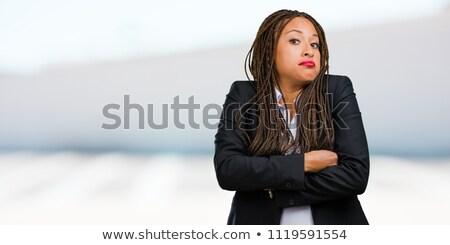 jonge · vrouw · schouders · zwarte · gezicht · achtergrond · schoonheid - stockfoto © deandrobot