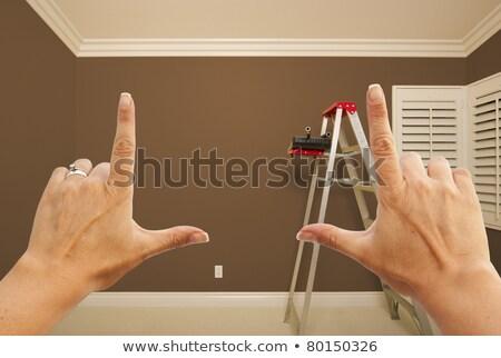 Mani rosolare verniciato muro interni stanza Foto d'archivio © feverpitch