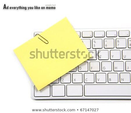 Amarillo memorándum clip blanco teclado negocios Foto stock © m_pavlov